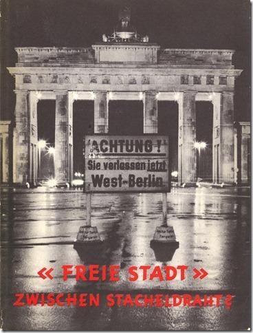 Titelbild der Propagandabroschüre 'Freie Stadt-Zwischen Stacheldraht?'