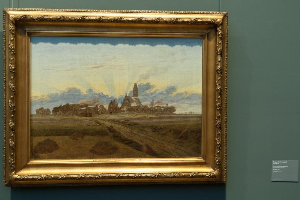 Caspar David Friedrich, Das brennende Neubrandenburg [mit deutlichem Schatten durch nur von oben einfallendes direktes Licht]