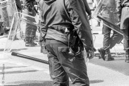 Polizeiwaffe an Einsatzuniform