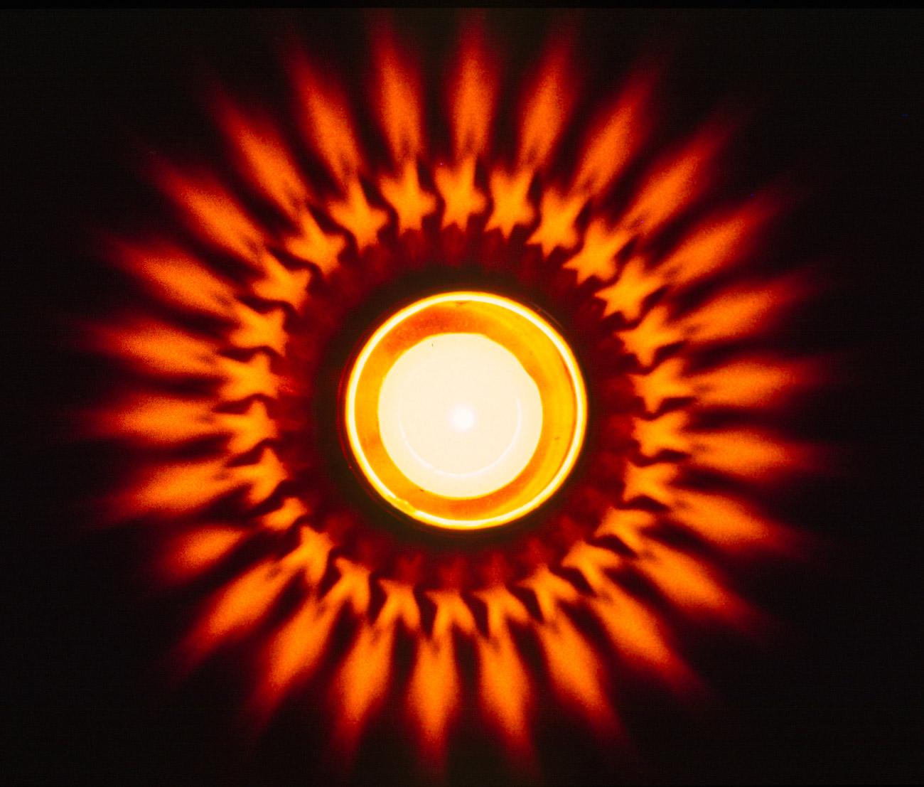 Lichtstern durch Teelicht